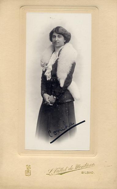 FOTOGRAFOS ESPAÑOLES - Luis Vallet de Montano, Bilbao pp. s. XX,  Retrato de la Señorita Concha,  ( Hesperus´ Collection)