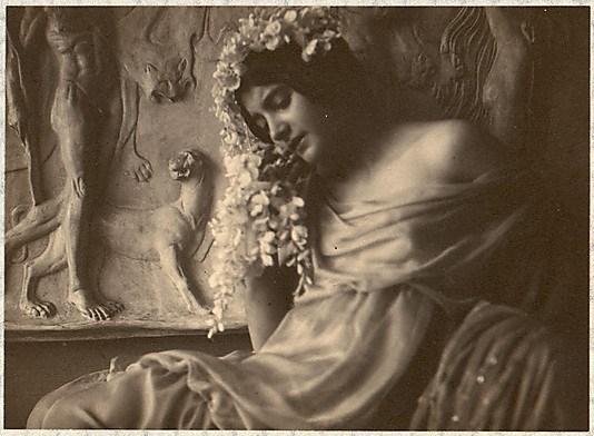 franck-eugene-fritzi-von-derra-the-greek-dancer-1900s3