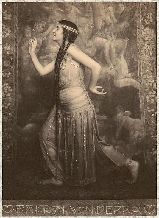 franck-eugene-fritzi-von-derra-the-greek-dancer-1900s6