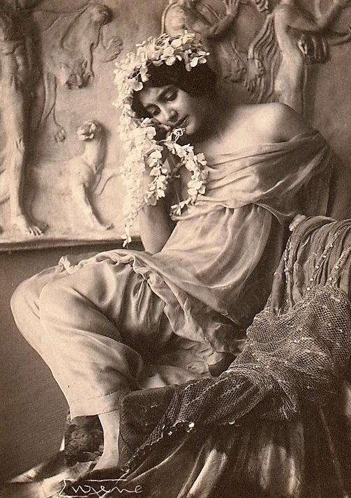 frank-eugene-fritzi-von-derra-the-greek-dancer-c-1900s