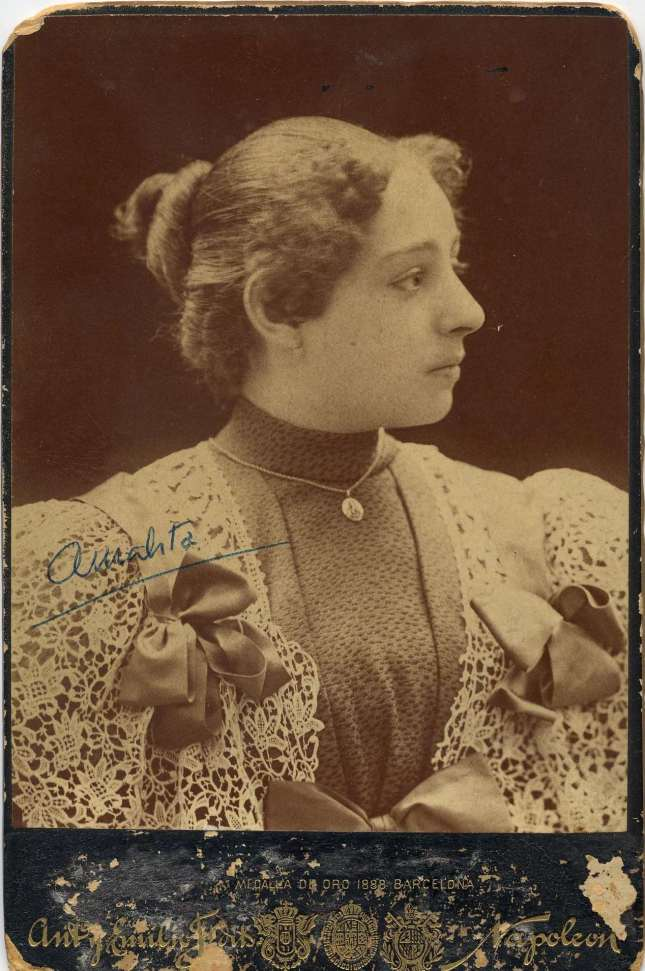 Copia de FOTOGRAFOS ESPAÑOLES - Napoleón, Barcelona. Photo de Amalita c.1890. Hesperus´ Collection