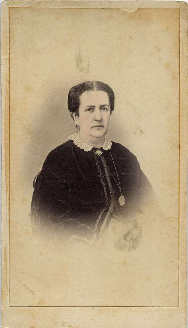 1860. FOTOGRAFOS ESPAÑOLES - Quin, J.de Monte,  Cadiz. Retrato de  dama, carte de visite,  ca 1860. Hesperus´ Collection