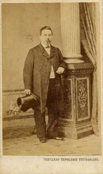 1863. FOTOGRAFOS ESPAÑOLES - Napoleón, Barcelona. Retrato de caballero, carte de visite, ca. 1863. Album Reig, Hesperus´ Collection