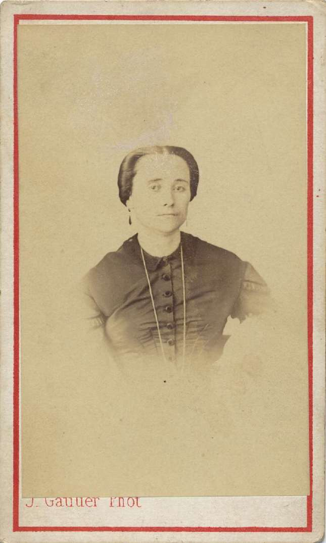 1865. FOTOGRAFOS ESPAÑOLES - Gautier, J., Madrid. Dama, carte de  visite ca. 1865. Hesperus´ Collection