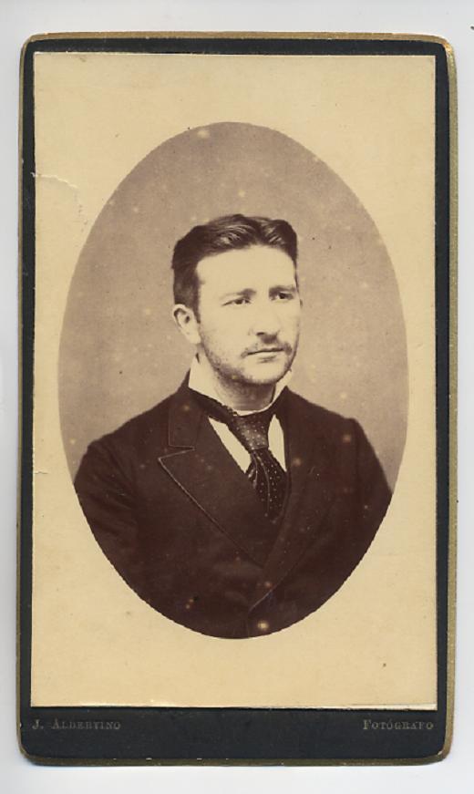 1880. FOTOGRAFOS ESPAÑOLES - Albertino, Joaquín, La Coruña. Busto de Caballero, CDV ca. 1880. Hesperus´ Collection
