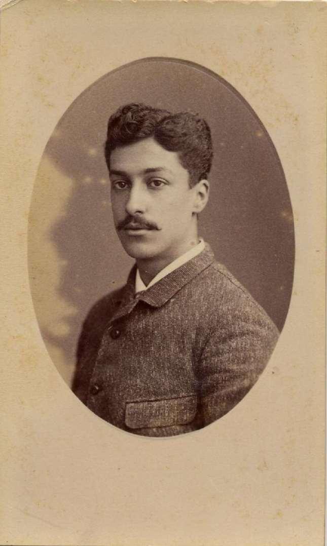 1880. FOTOGRAFOS ESPAÑOLES - Desconocido. Retrato del joven caballero. Carte de visite, ca. 1880. Album Reig, Hesperus´ Collection