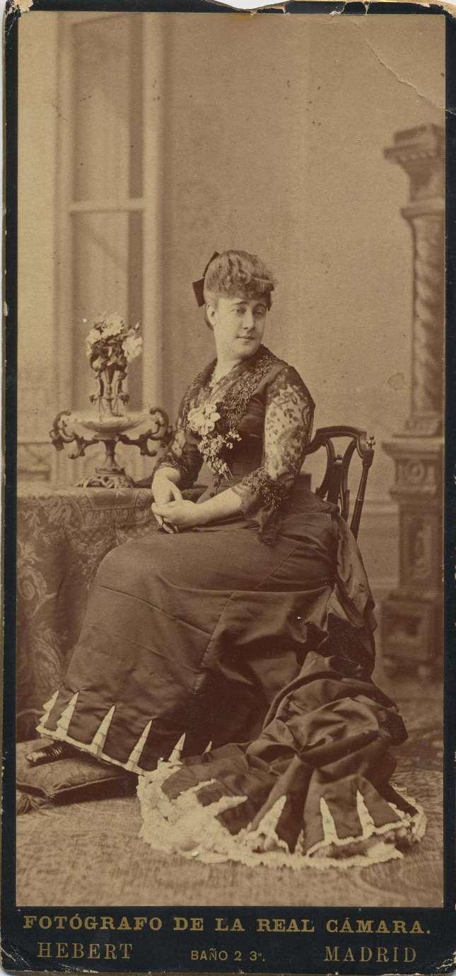 1880. FOTOGRAFOS ESPAÑOLES - Hebert (1819-1891), Madrid. Dama joven desconocida. Formato  10X21, ca. 1880. Album Lopez, Hesperus´ Collection