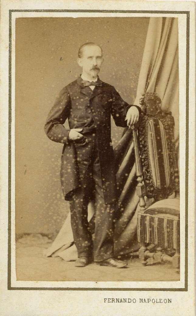 1880. FOTOGRAFOS ESPAÑOLES - Napoleon, Barcelona  ,  Retrato de  caballero, carte de visite, ca. 1880, Album Reig, Hesperus´ Collection)