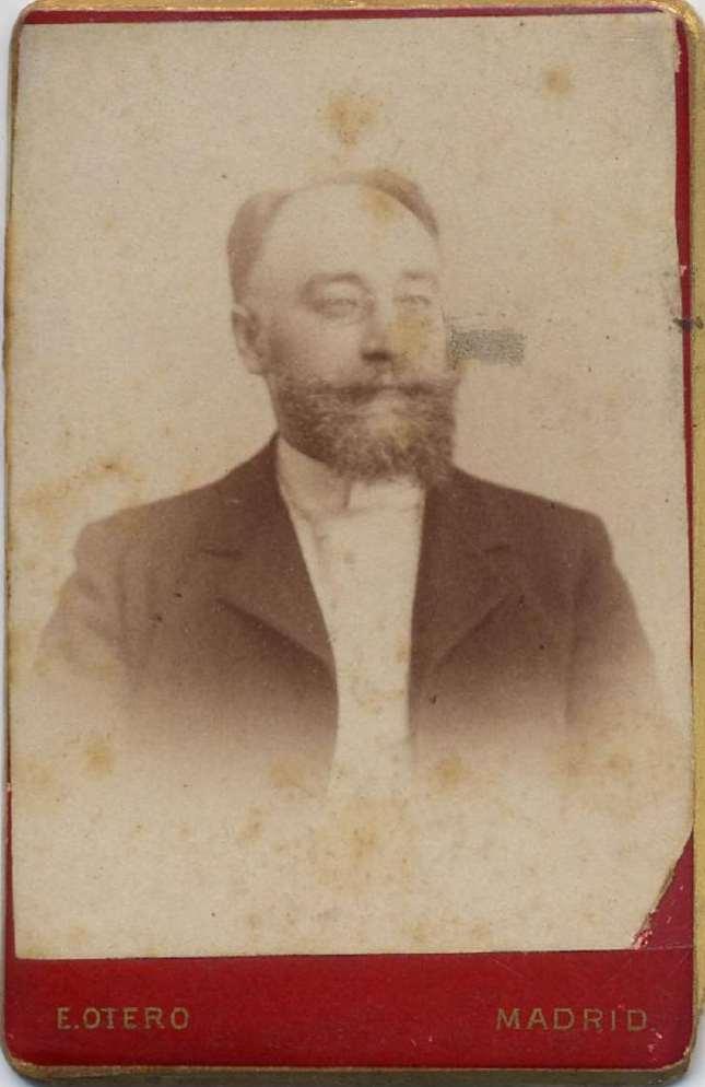 1880. FOTOGRAFOS ESPAÑOLES - Otero, E., (1841-1905), Madrid. Retrato de caballero, carte de visite, ca.1880. Hesperus´ Collection