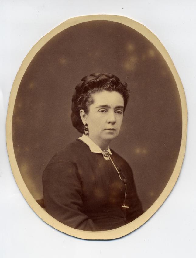 1880s. FOTOGRAFOS ESPALES - Anónimo. Dama, formato Cabinet, oval, recortado, ca. 1880s. hesperus´ Collection