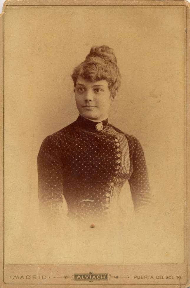 1885. FOTOGRAFOS ESPAÑOLES - Alviach, Manuel, Madrid. Retrato de Señorita.1885, Hesperus´ Collection