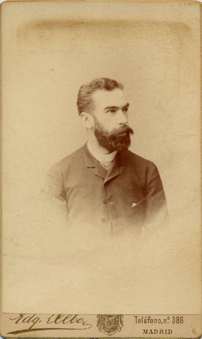 1885. FOTOGRAFOS ESPAÑOLES - Debas, Edg., Madrid. Retrato de caballero, carte de visite, ca. 1885. Album Lopez, Hesperus´ Collection