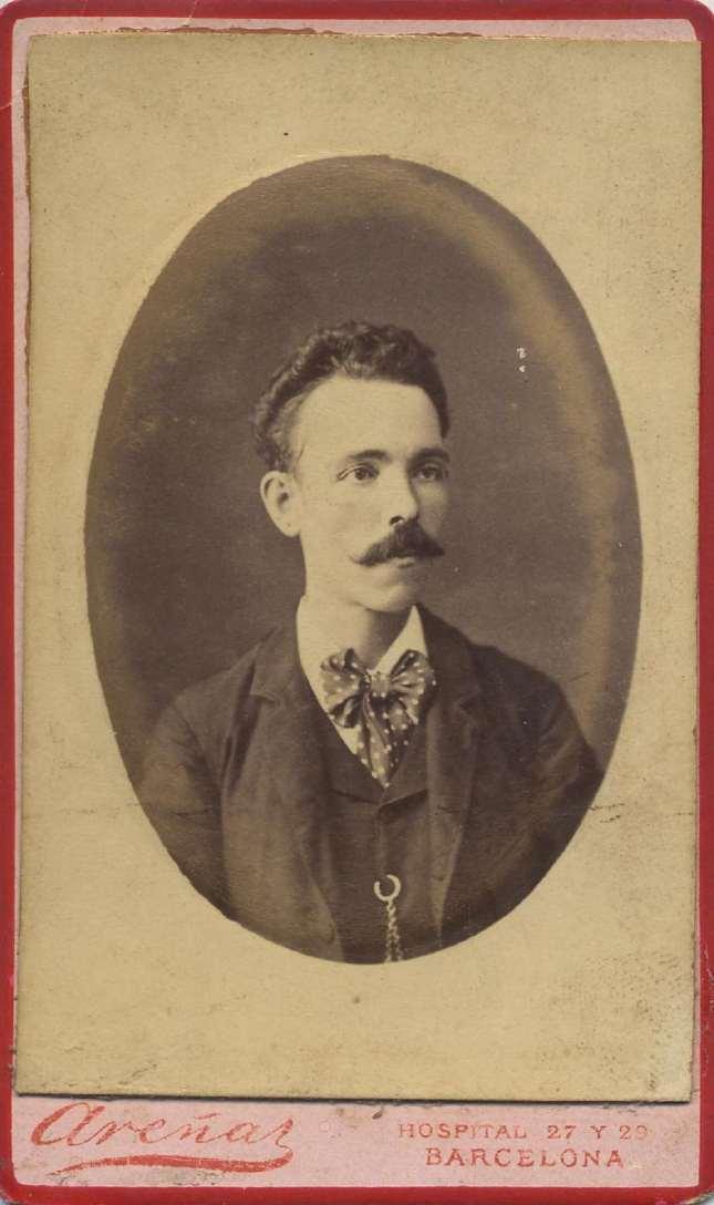 1888. FOTOGRAFOS ESPAÑOLES - Areñas, Rafael, Barcelona. Retrato de caballero,  carte de visite, ca. 1888. Hesperus´ Collection
