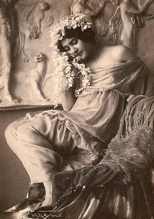 frank-eugene-fritzi-von-derra-the-greek-dancer-c-1900s